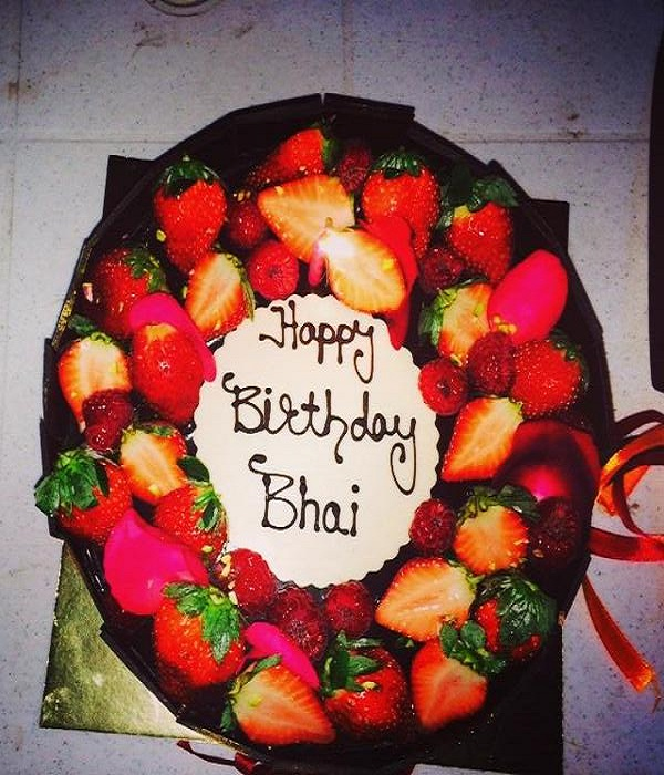 EXCLUSIVE Inside Pictures Of Salman Khans Midnight Birthday Bash At
