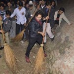 Kailash Kher's participation in Swachh Bharat Abhiyan impresses PM Narendra Modi!