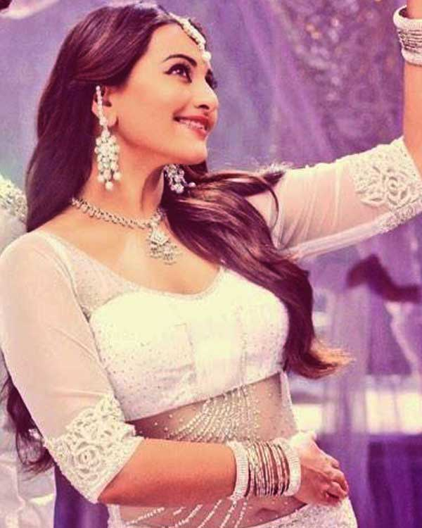 With Lingaa's success, will Sonakshi Sinha become the 100 crore queen down south?