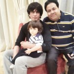 Leaked: Shah Rukh Khan and little AbRam clicked with Rajeev Shukla!