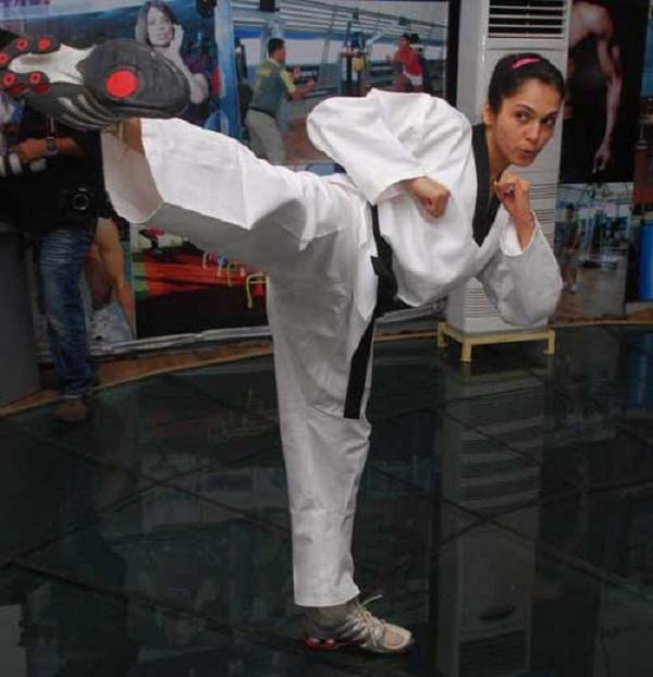 isha koppikar learns martial arts for upcoming south film