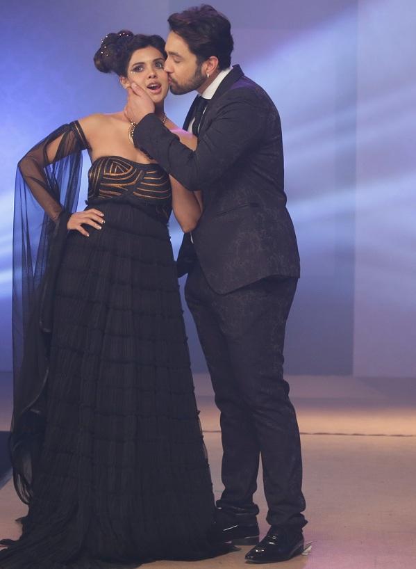 After Kangana Ranaut and Ariana Ayam, Adhyayan Suman proposes Sara Loren!