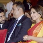 Kareena Kapoor, Vidya Balan, Abhishek Bachchan and Boman Irani go back to college – view pics!