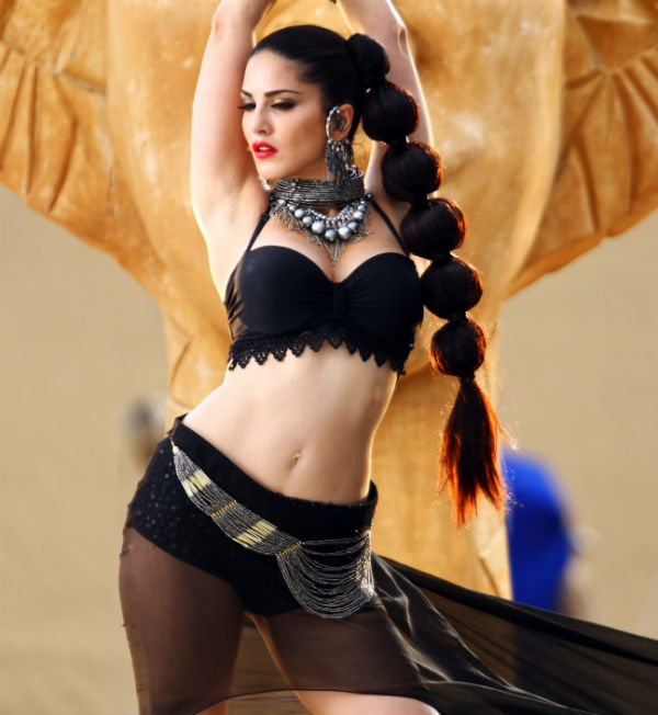 Sunny leone latest sexy images