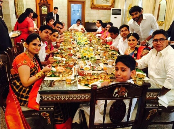 Here is why this picture of Amitabh Bachchan having dinner in gold plates is controversial!