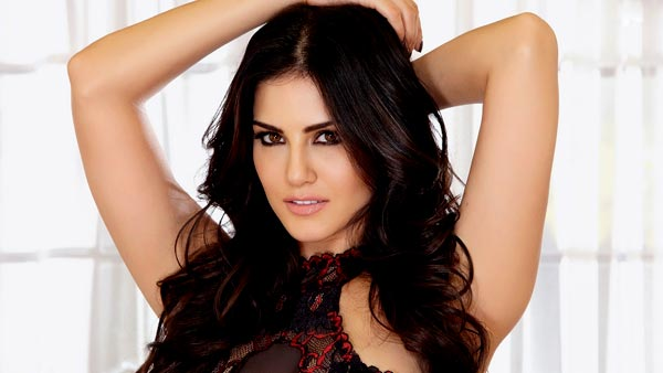 5 reasons why Bollywood is actually mistreating Sunny Leone