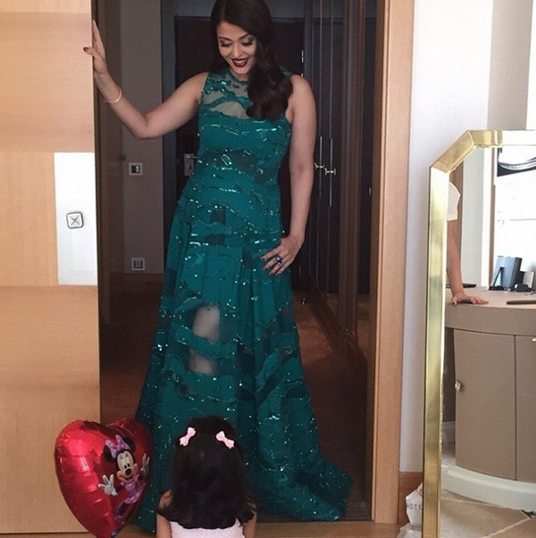 Sneak Peak: Aaradhya Bachchan digs her mommy Aishwarya Rai Bachchan's red carpet look for 68th Cannes Film Festival!