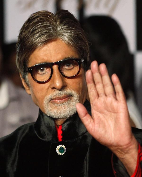 Amitabh Bachchan crosses 16 Million followers on Twitter!