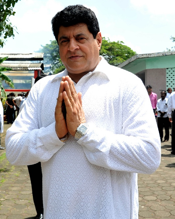 FTII chairman Gajendra Chauhan now faces opposition from Soumitra Chatterjee, Mrinal Sen, Buddhadeb Dasgupta