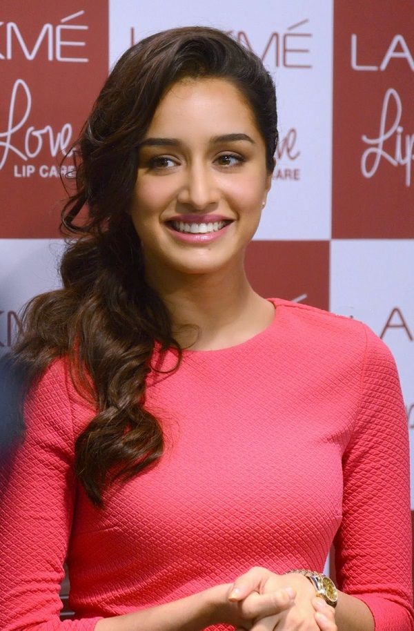 Shraddha kapoor to test 14 looks for tiger shroff 39 s baaghi - Baaghi 2 love wallpaper ...