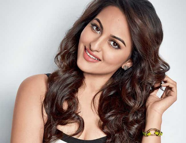 Sonakshi Sinha reveals her New Year resolution for this year!