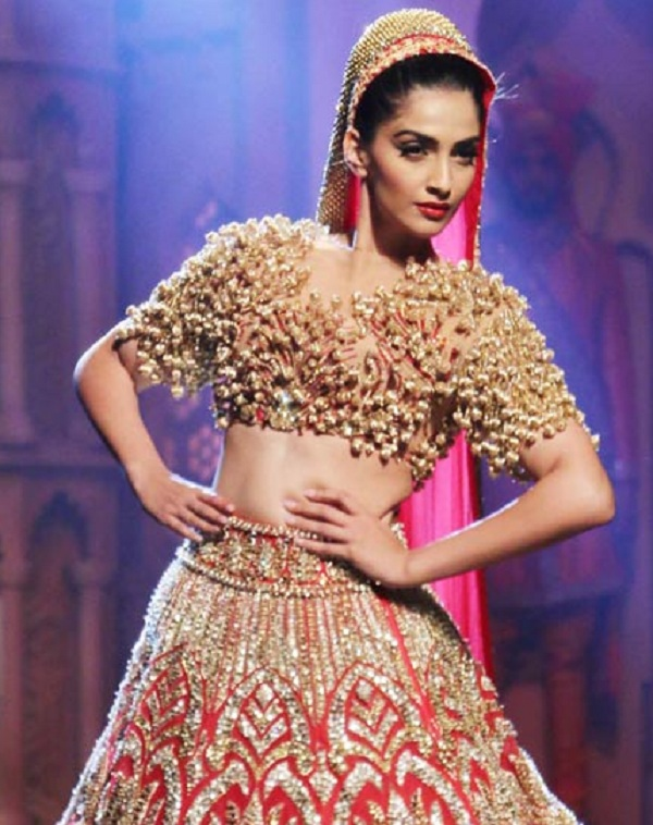 Sonam Kapoor: Why everyone is asking about my marriage? I am happy to be single!