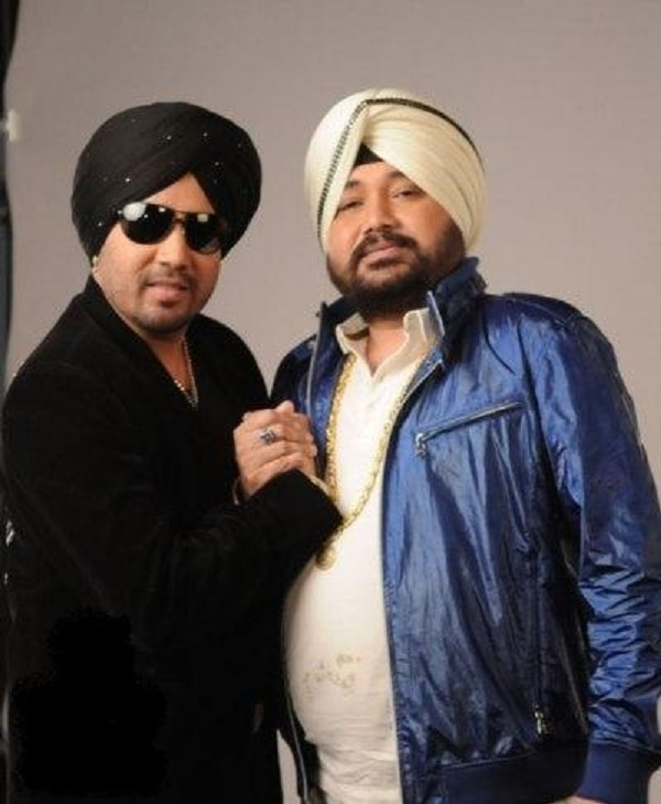The Voice India: What did Daler Mehndi say which left brother Mika Singh in tears? Watch video!