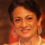 Why was Tanuja in a wheel-chair at Mumbai airport while leaving for Dilwale sets?