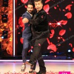 Jhalak Dikhhla Jaa Reloaded: Karan Johar and Shahid Kapoor do a COUPLE dance during KJo's last episode – view HQ images!