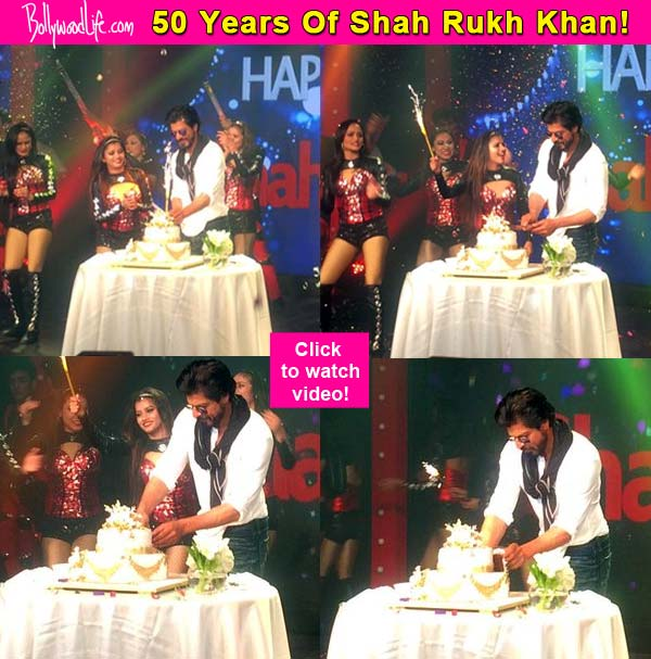 Finally that moment arrives Shah Rukh Khan cuts his 50th birthday