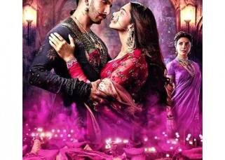 Bajirao Mastani's new still featuring Ranveer Singh, Deepika Padukone and Priyanka Chopra will make you impatient for the trailer!