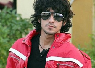 Birthday boy Rishabh Sinha to throw a ROCKING bash for Bigg Boss 9 contestants!