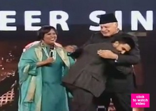 Ranveer Singh makes Dr Farooq Abdullah groove to the tunes of Malhari - watch video!