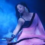 Rashami Desai to do a SENSUOUS act in Adhuri Kahaani Humari
