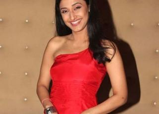 Ragini Khanna turns host again for Zee TV!