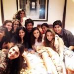 Shah Rukh Khan trapped between Alia Bhatt, Gauri Shinde and lotsa ladies and it's CUTE - view pic!