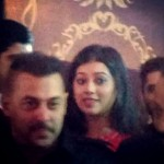 Check out Digangana Suryavanshi's fan-girl moment with Salman Khan from Baba Siddiqui's Iftaar bash