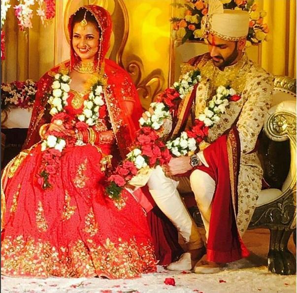 divyanka tripathi and vivek dahiyas picture post jaimala