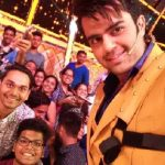 After Shah Rukh Khan, Manish Paul too shoots with a sling for Jhalak Dikhla Jaa 9!