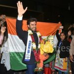 Mr World 2016 Rohit Khandelwal welcomed in India with loud cheers by a swarm of fans - watch video!