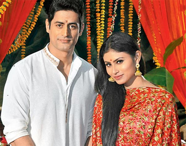 Mouni Roy Treats Fans With RARE Pictures Of Mohit Raina On