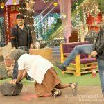 The Kapil Sharma Show has a Mohenjo Daro theme to welcome Hrithik Roshan and Pooja Hegde! View HQ pics