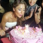 Whose sindoor is Sara Khan wearing at her birthday party?