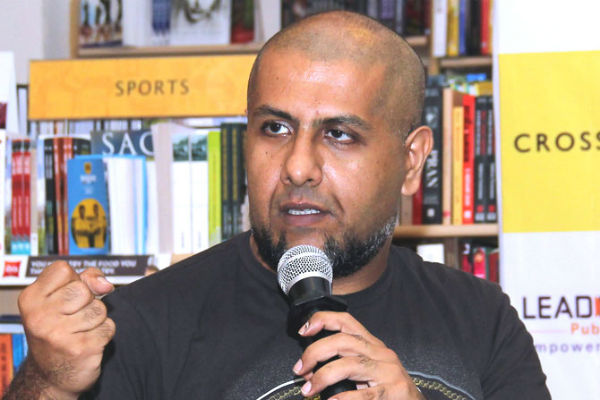 Vishal Dadlani Tarun Sagar controversy: Complaint filed