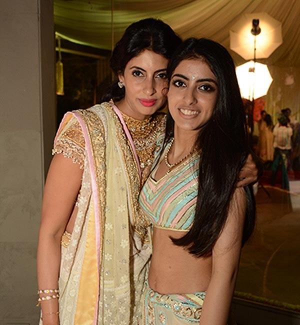 Amitabh Bachchan S Granddaughter Navya Naveli Nanda Will