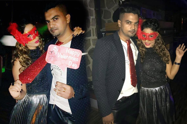 Hina Khan parties with her boyfriend Rocky Jaiswal – view pics