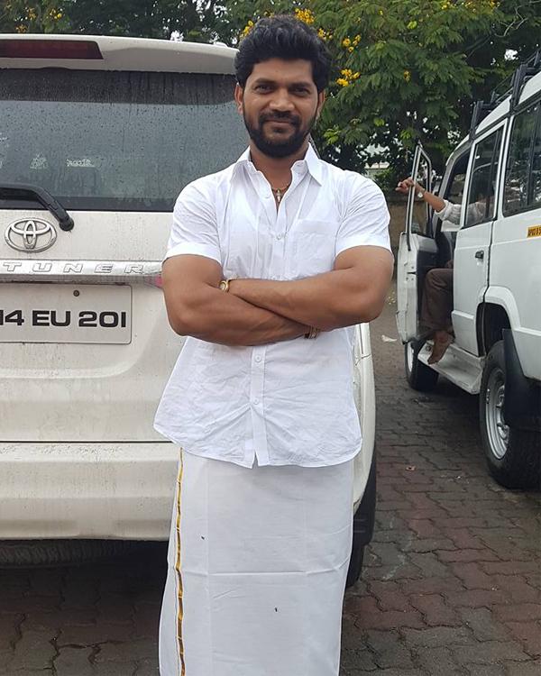 After posting of Facebook, Marathi filmmaker ends life