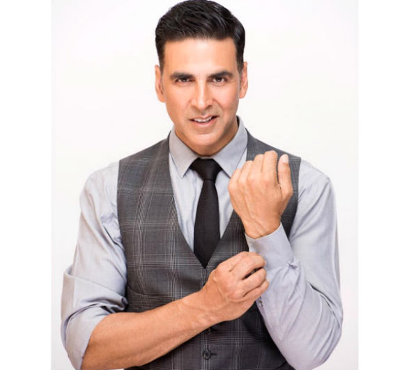 Akshay Kumar apologises for holding Indian flag upside down at Lord's