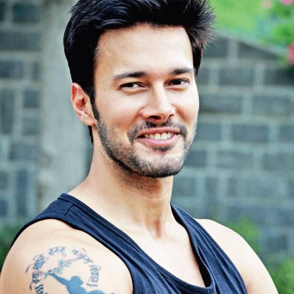 rajniesh duggall injures himself on the sets of aarambh