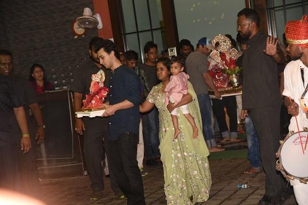 Image result for celebrities at arpita khan's ganesh chaturthi 2017