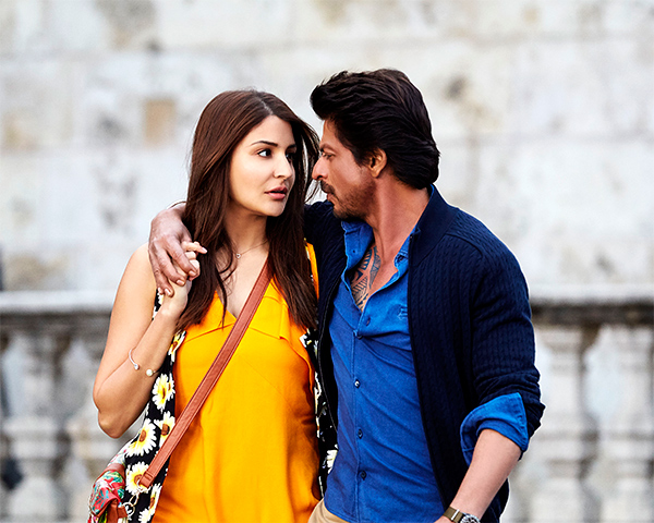 Shah Rukh Khan's Jab Harry Met Sejal Set To Have A Lower Week One Than Kaabil - Will Rakesh Roshan Have The Final Laugh?