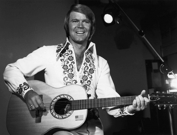 Glen Campbell dies at 81