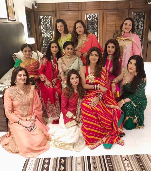 Sridevi raveena tandon shilpa shetty neelam look radiantly sridevi raveena tandon shilpa shetty neelam look radiantly beautiful for their karwa chauth thecheapjerseys Images