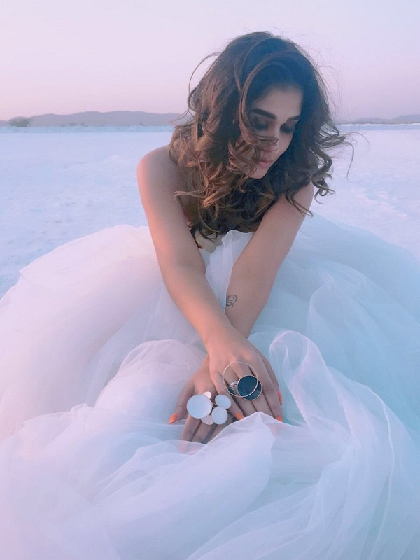 Nayanthara looks like a vision in white in this song shoot from Velaikkaran – view pic