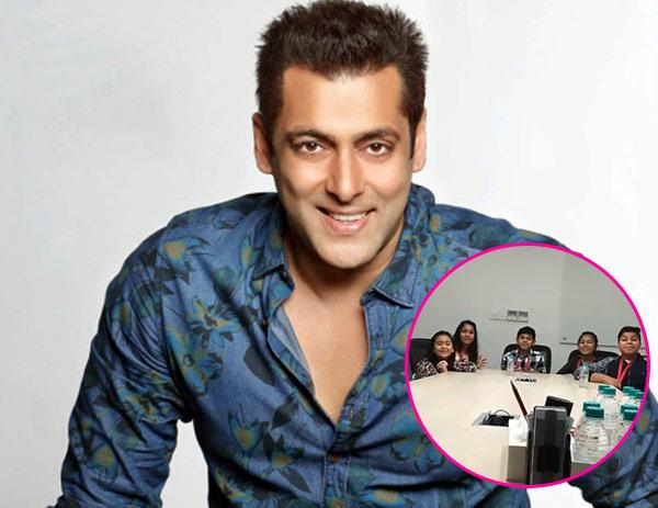 Salman Khan Dancing At His Birthday Party In Panvel