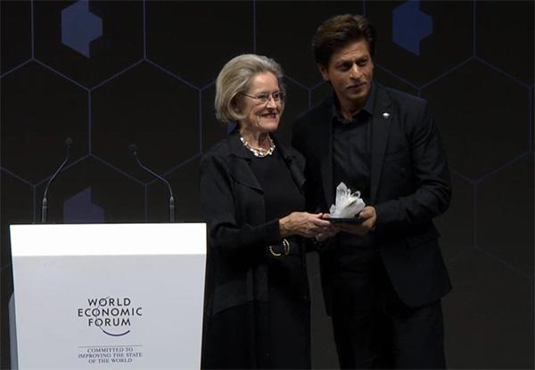 Shah Rukh Khan leaves Twitterati emotional as he receives an award at World Economic Forum 2018 in Davos