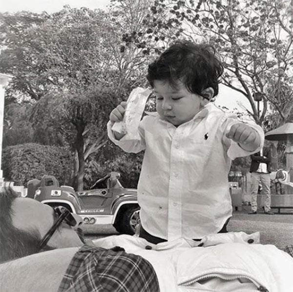 Taimur Ali Khan tries to comb his hair, photo goes viral