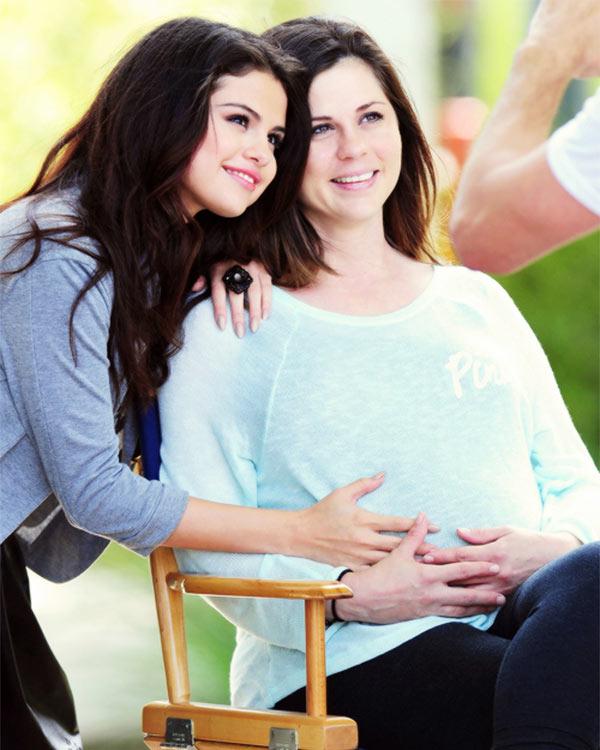 Selena Gomez, Mandy Teefey Split