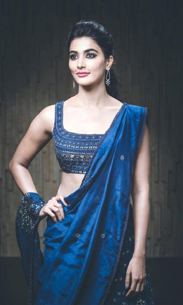 It's confirmed! Prabhas has found his leading lady in Pooja Hegde for his next