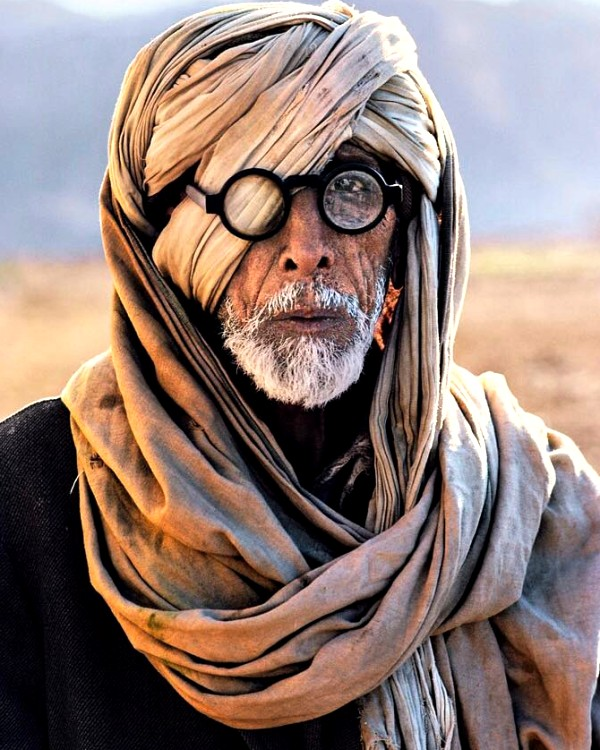 Amitabh Bachchan's viral pic from Thugs of Hindostan ...